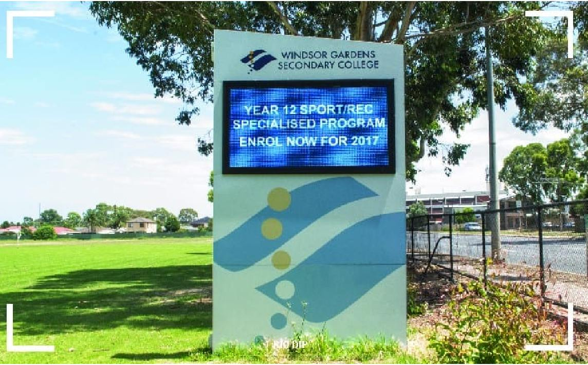 School LED pylon sign